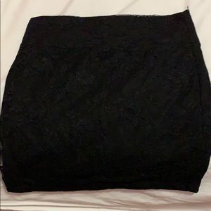 Small black lacy skirt. Small/XS. Stretchy